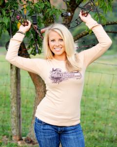 Im A Hunter: Kelsey Harris | Virginia, A deer and Hunters