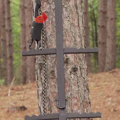 Every Tree Stand Deer Hunter Needs To Watch This Video